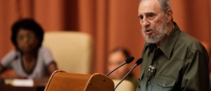 Fidel Castro addresses parliament after four-year gap