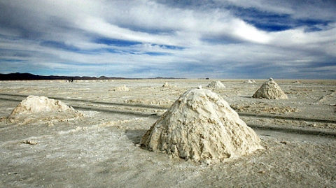 Bolivia Bets on State-Run Lithium Industry