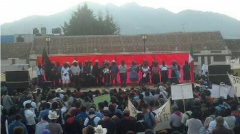 Zapatistas Flood San Cristóbal by the Thousands, Join Call to Stop the War