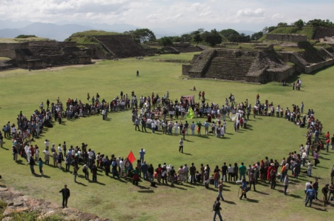 A Contrast in Discourses: Sicilia and the Peace Caravan in Oaxaca